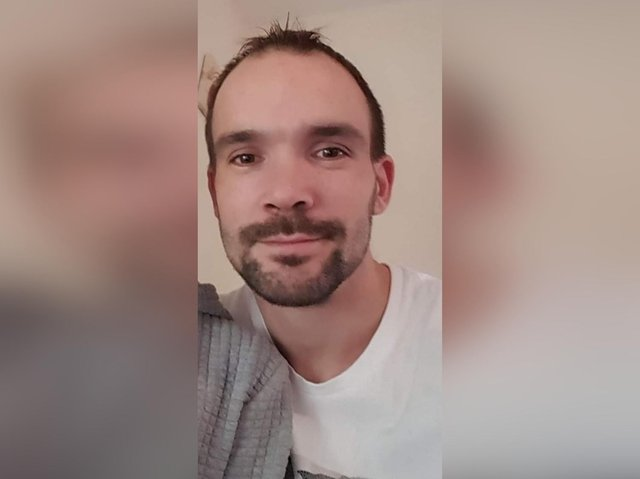 Sandy Noble, 33, tragically died in a lift accident.