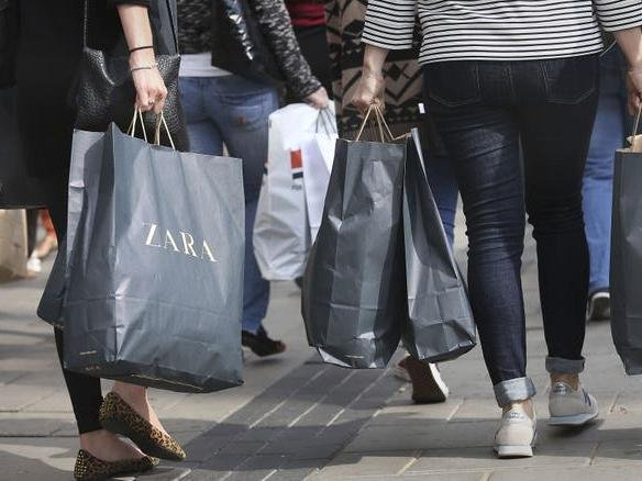Shoppers and pub-goers flocked back to Scarborough's high street as non-essential shops reopened last week.