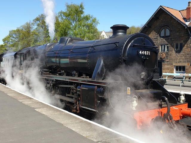 Locomotive LMS Black 5 44871