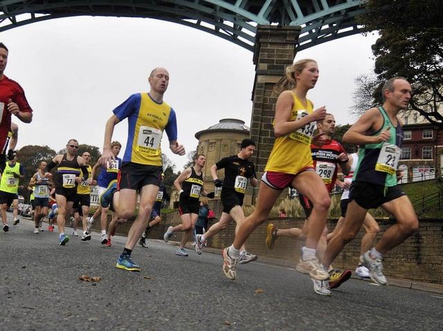 The 2015 event passing under the Spa Bridge. Picture: JPI Media/ Andrew Higgins