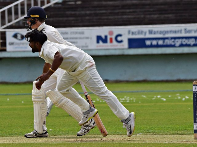 Scarborough 2nds v Sutton-on-Hull  Photo by Simon Dobson